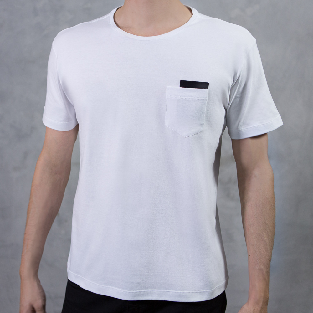 Camiseta Pocket Branca