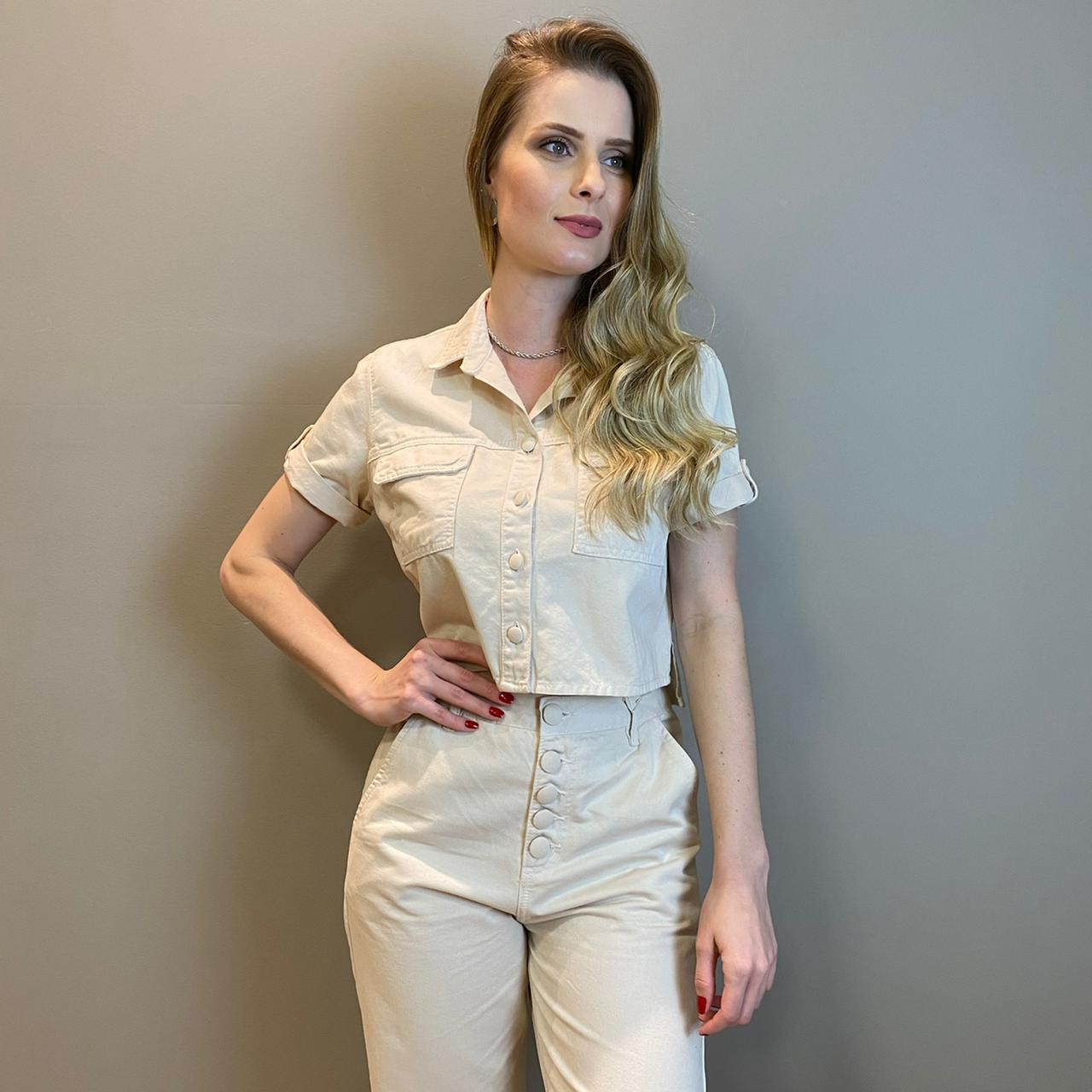Camisa cropped Maisa Fresia Bege -
