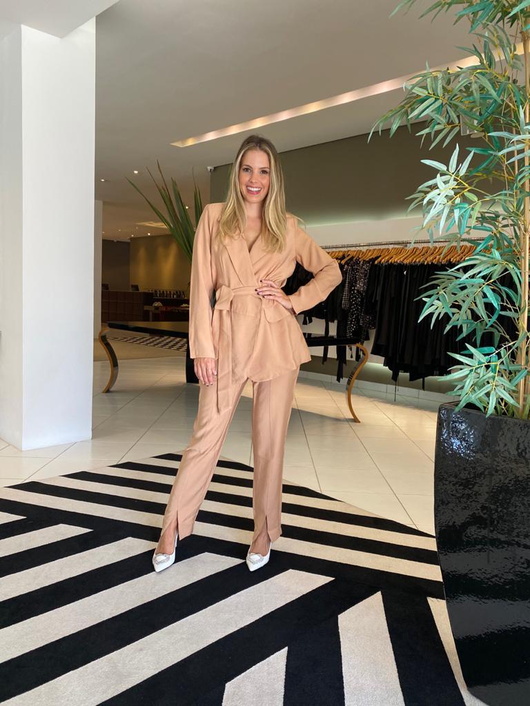 Conjunto blazer e calça alexia Camel -