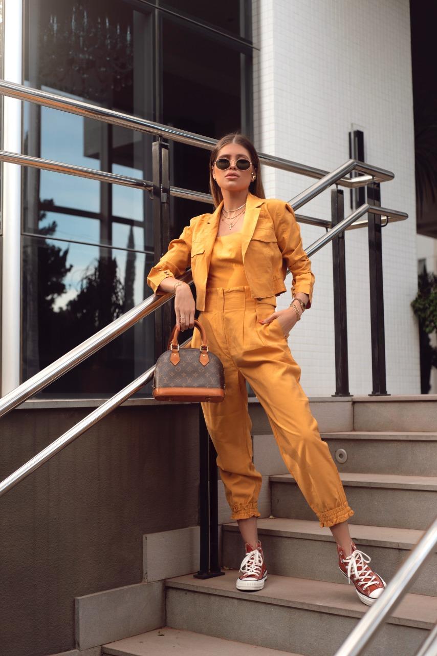 Conjunto cropped, calça e casaqueto folk Amarelo -