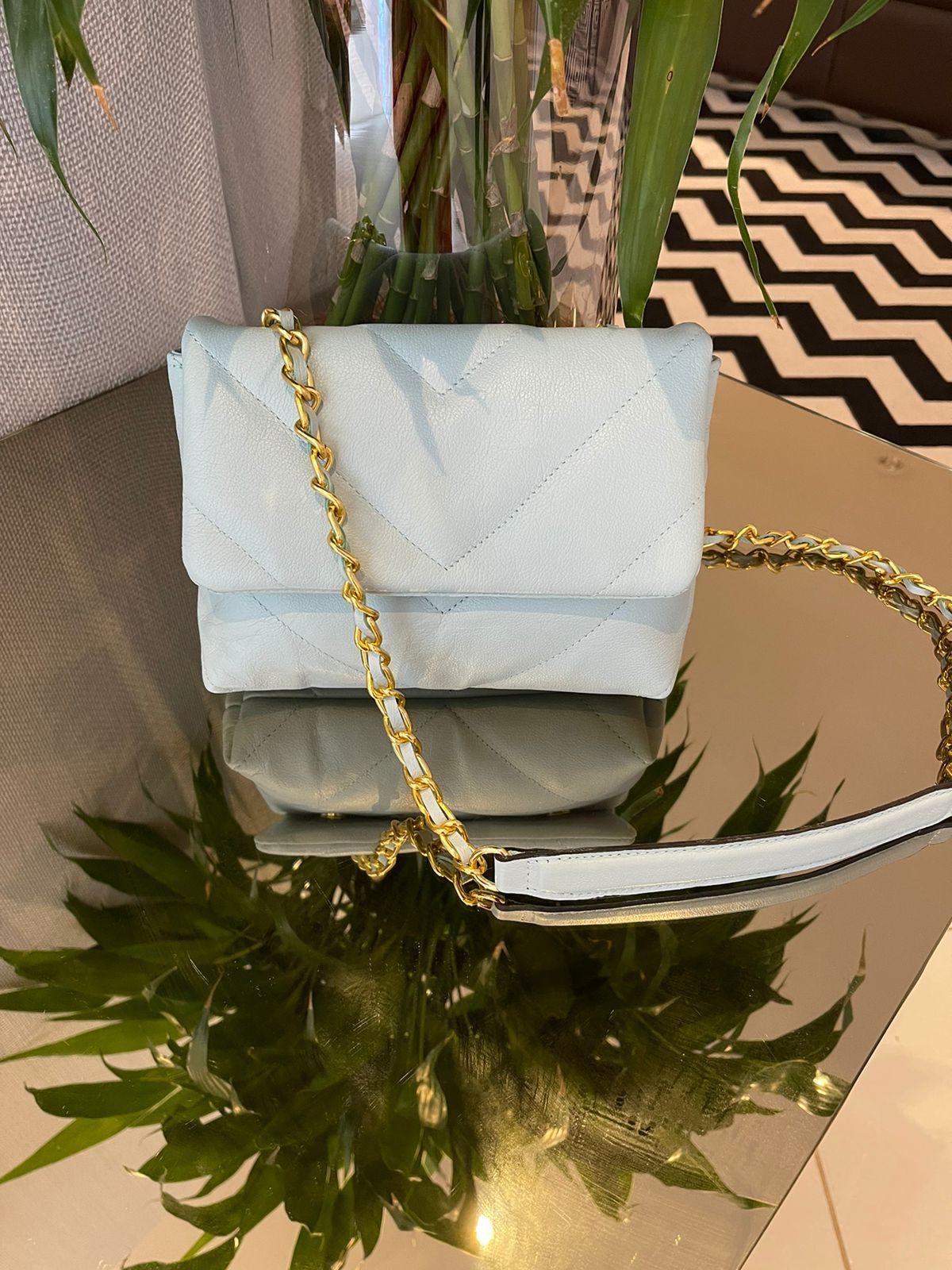 Mini bag couro matelasse V Azul -