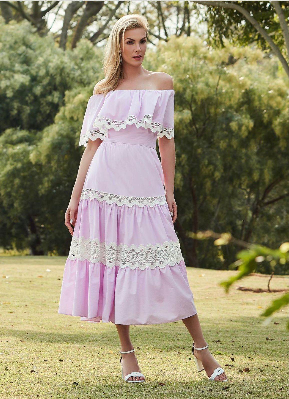 Vestido Naomi tricoline c/ entremeio Rosa claro -