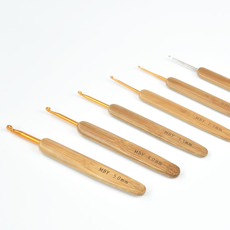 Agulha Para Crochê Cabo de Bambu Made By You