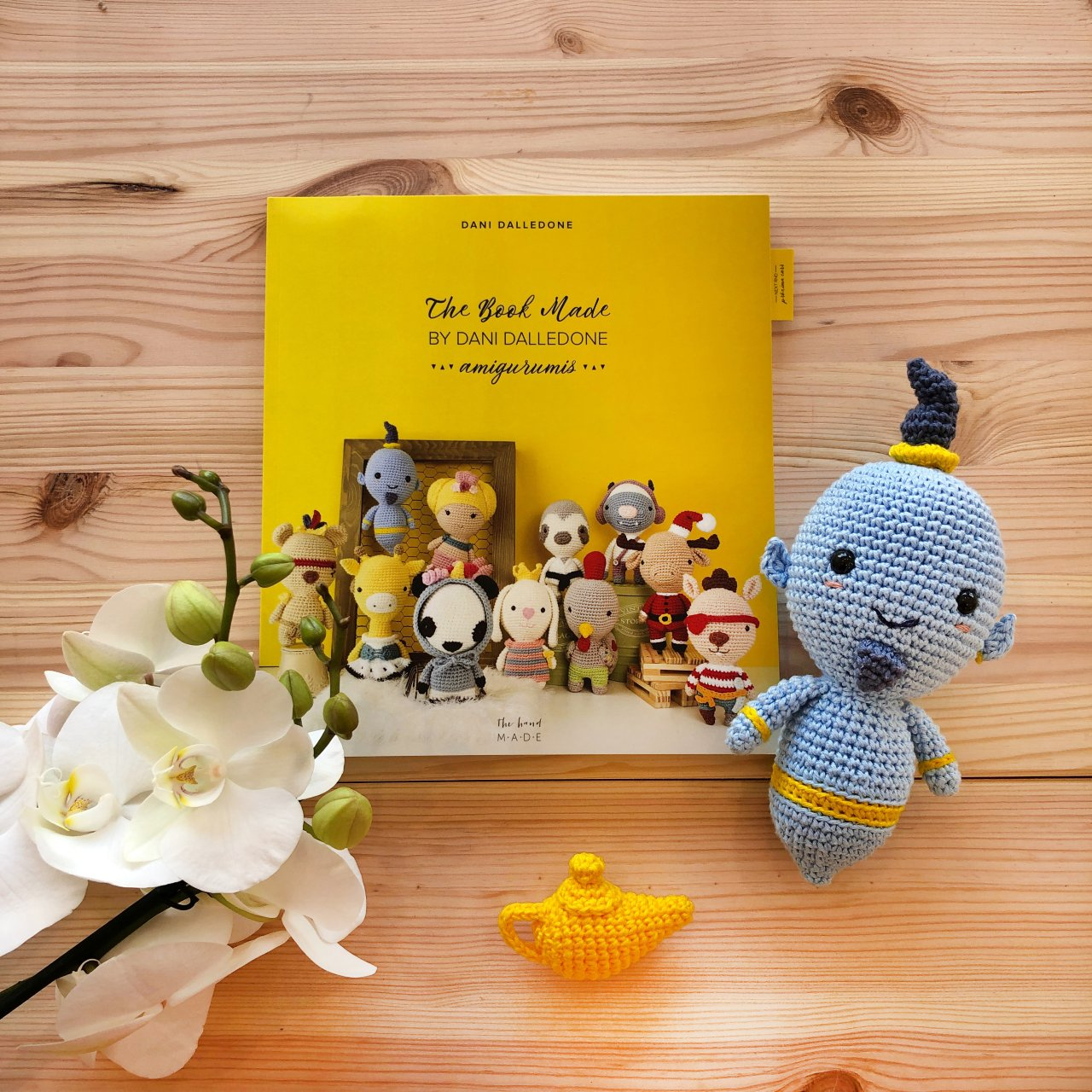 The Book Made - Livro com 11 Amigurumis By Dani Dalledone