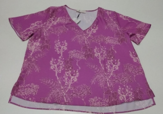 T-Shirt com Abertura Lateral - Maria Valentina