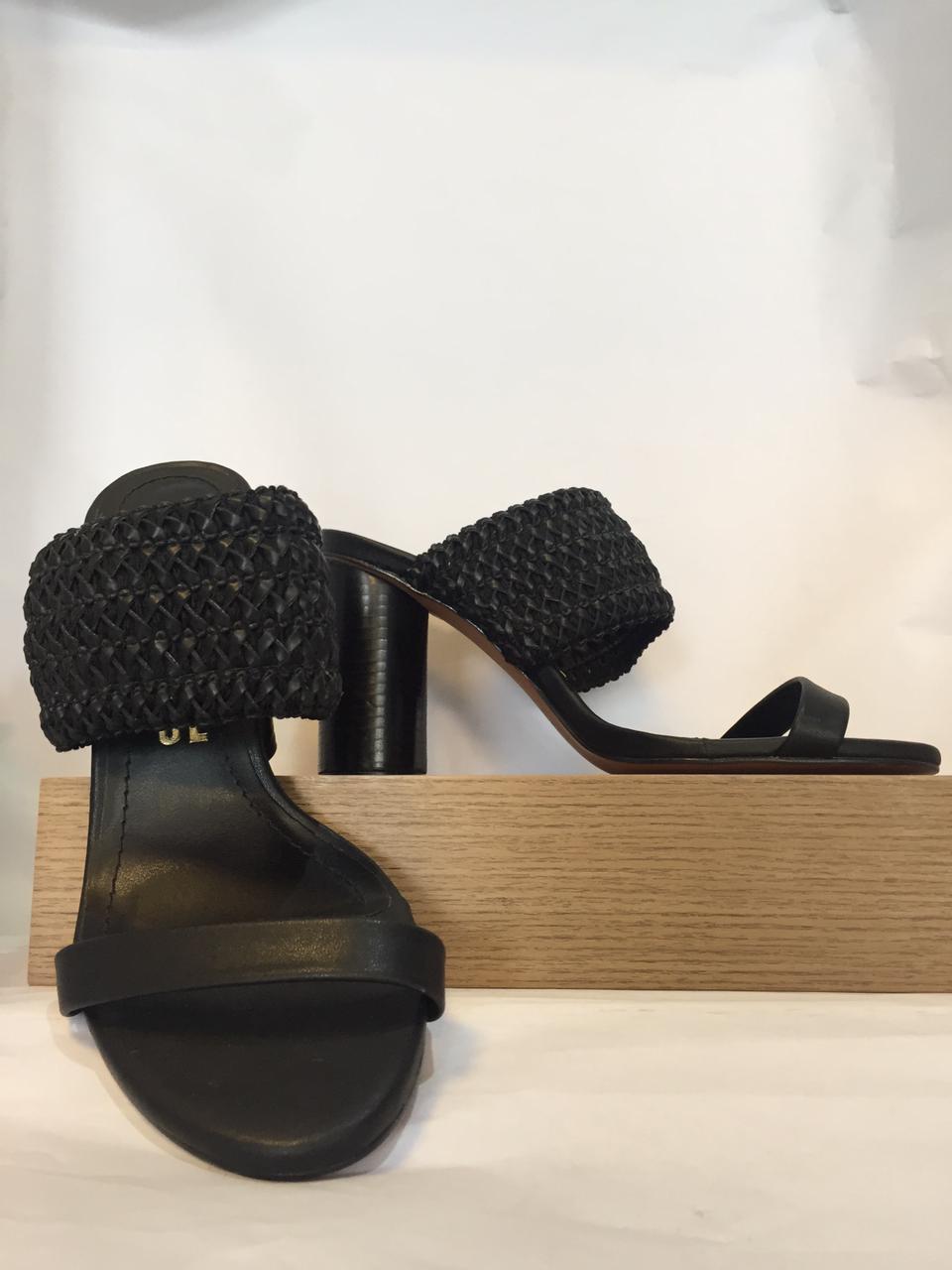 Sandália couro salto redondo