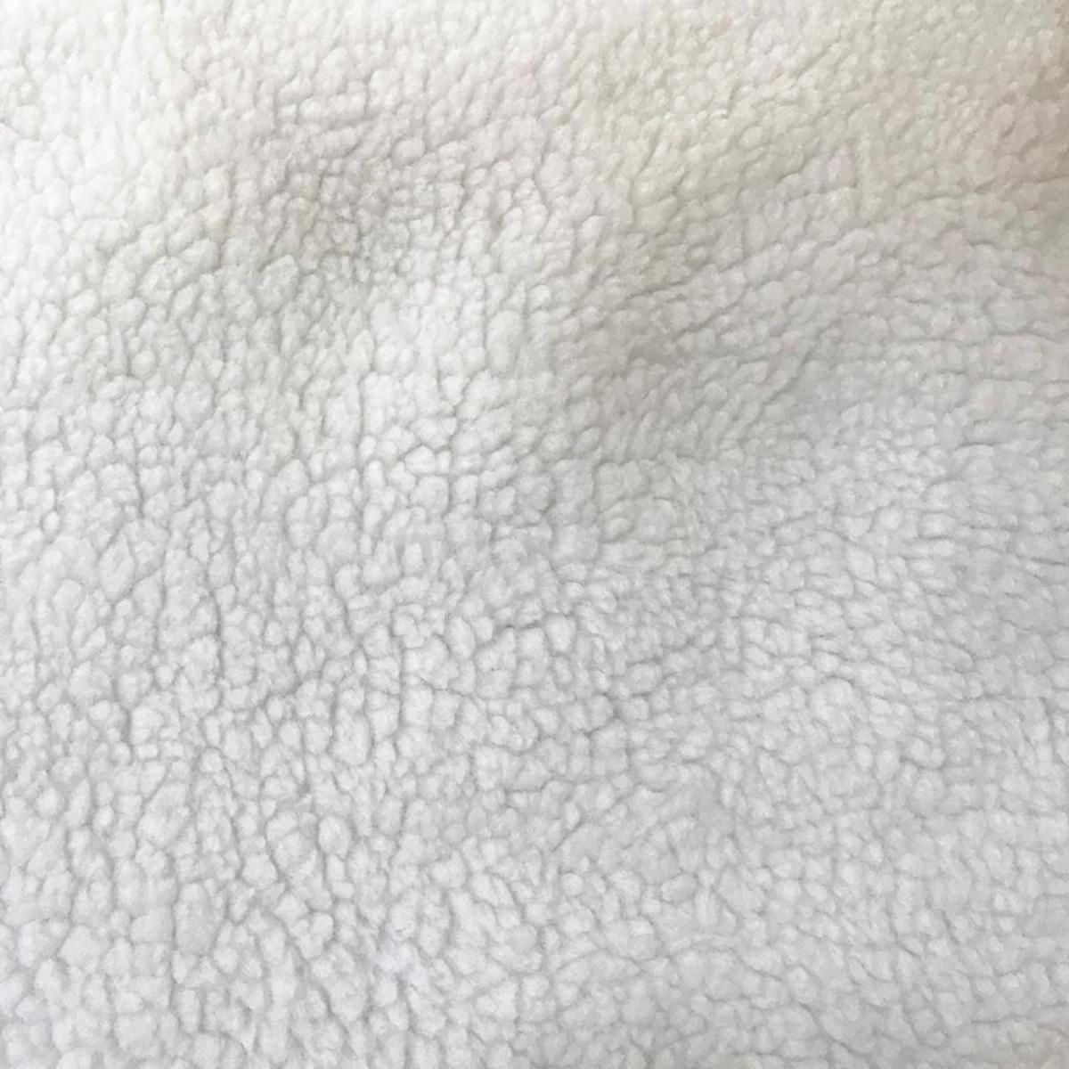 Pelucia pele de cordeiro/branco