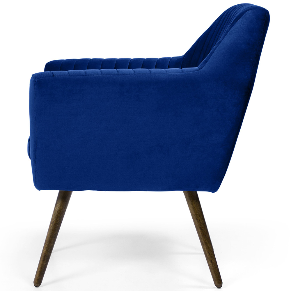 Poltrona Para Sala de Estar Dani Com Pés Palito Veludo Matelassê Azul Royal - casaepoltrona