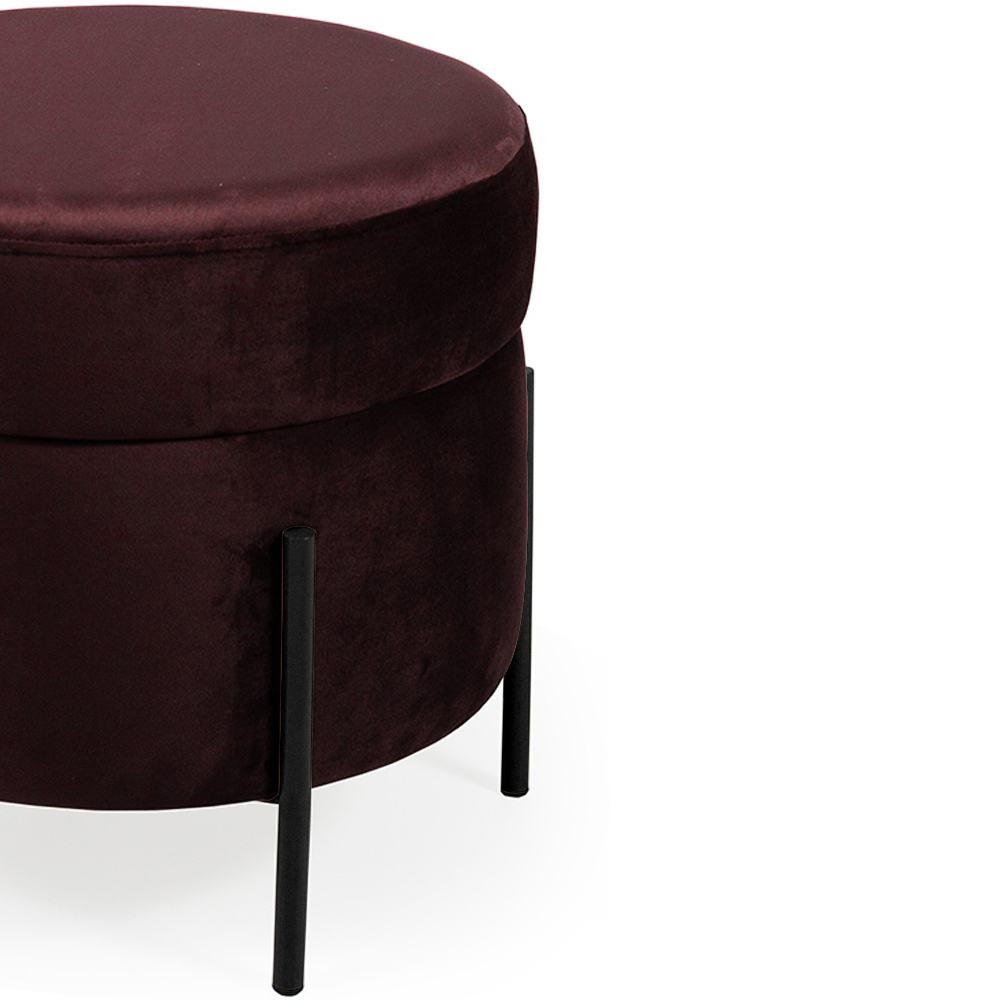 Puff Decorativo Lewis 45x45 cm Pés Preto Veludo Marsala - CasaePoltrona