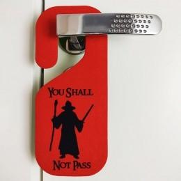 Aviso de Porta You Shall not Pass