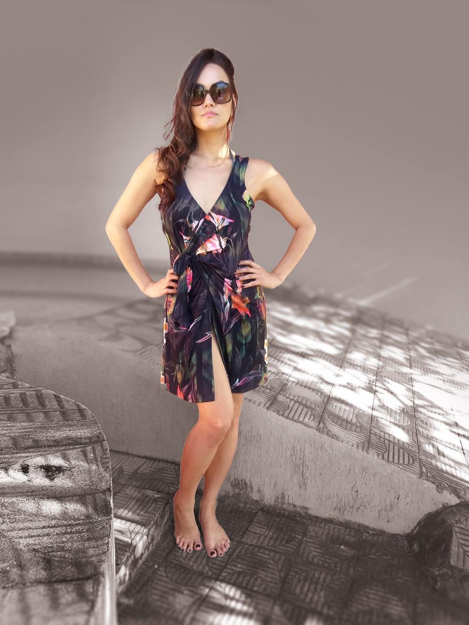 Vestido saída de praia em liga leve