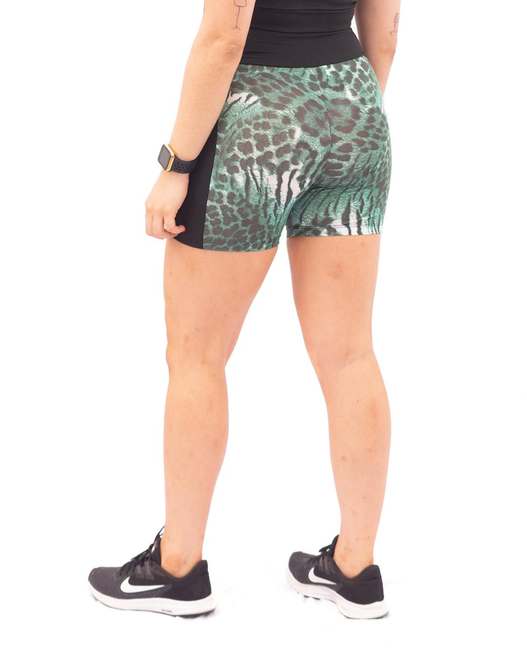 Shorts Fitness Preto Com Estampa de Onça Verde -  Movimente-se