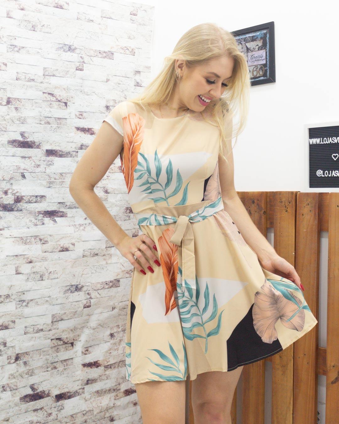 Vestido Com Estampa de Folhas - Moça Bonita