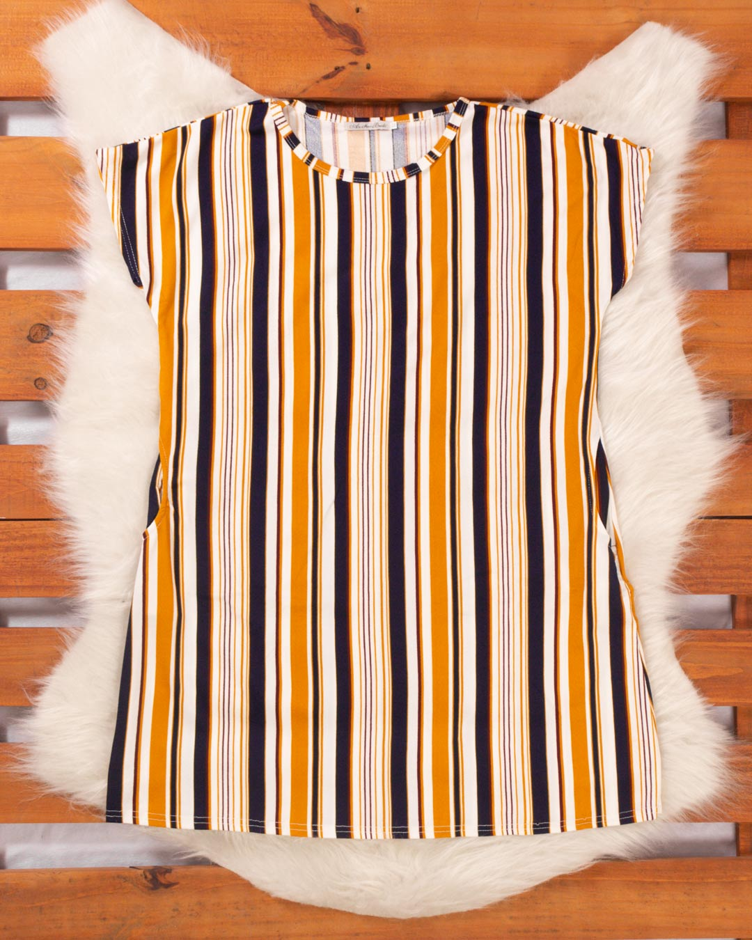 Vestido Plus Size Listrado Com Bolso Frontal - Moça Bonita