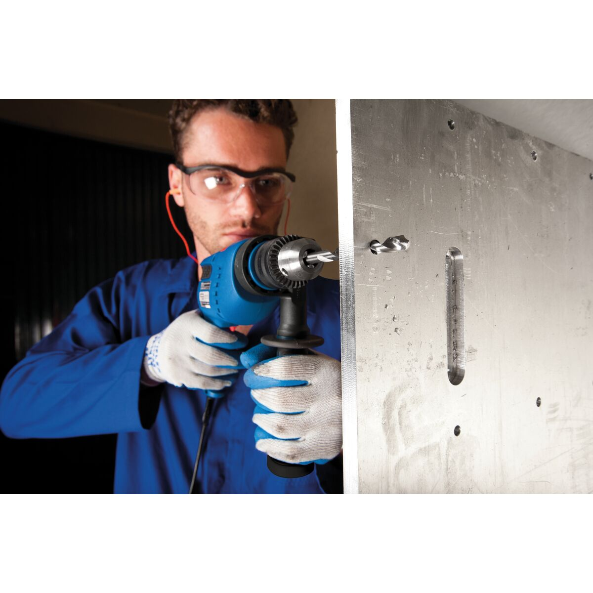 Broca para Aço Tramontina 43141/144 10x133mm em Aço Rápido HSS DIN 338  - Casa Mattos