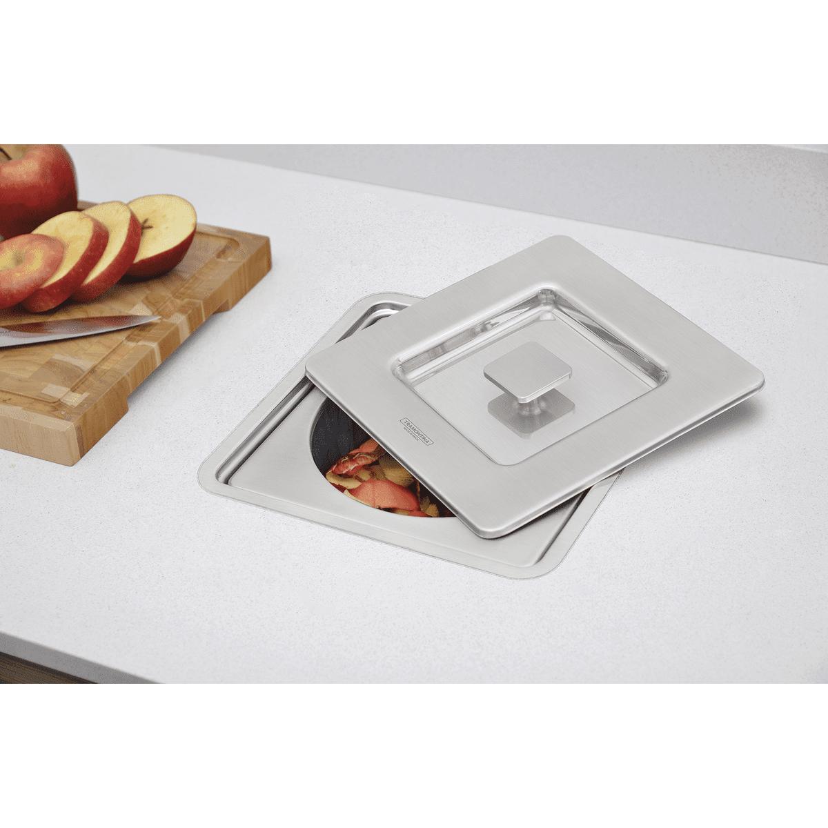 Lixeira de Embutir Tramontina Clean Square em Aço Inox com Balde Plástico 94518/205 5L  - Casa Mattos