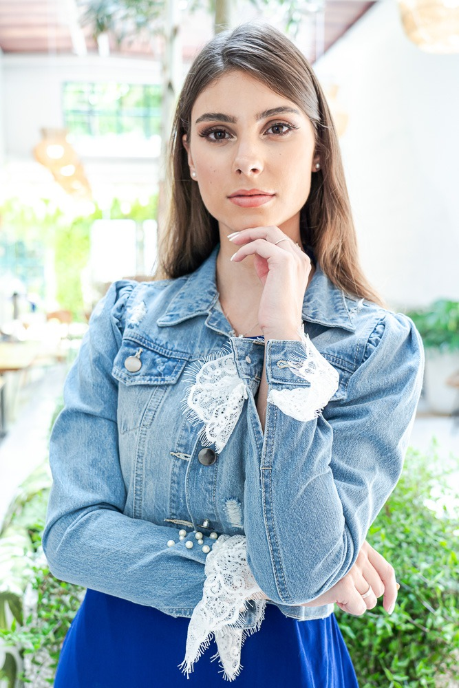 Jaqueta Jeans Manga Chantilly com aplicação