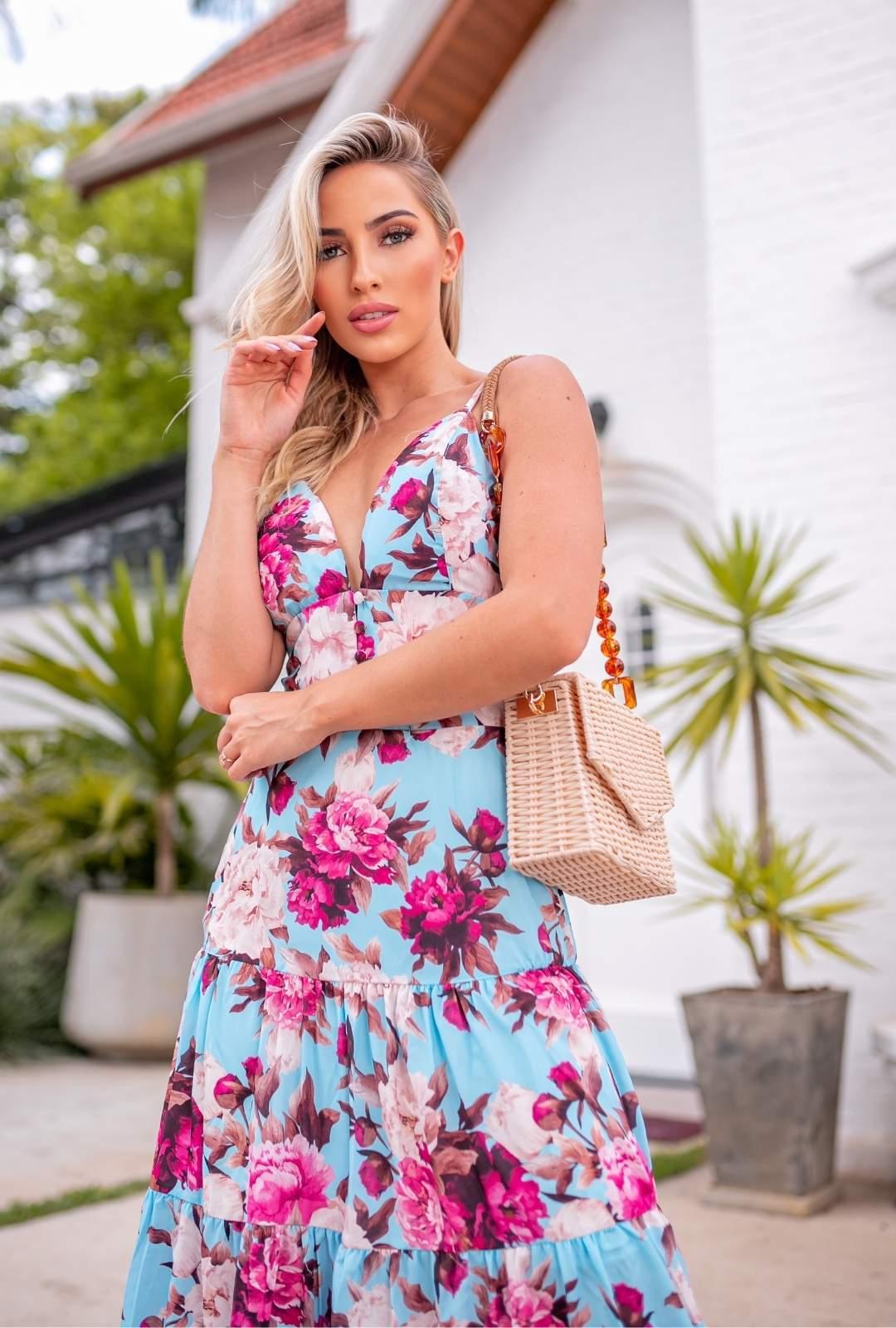 Vestido Longo Joana Crepe de Seda Floral Boho Especial Fundo Azul e Flores Fucsia