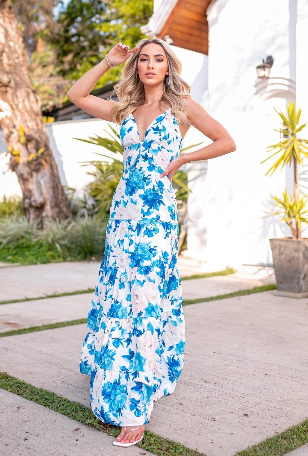 Vestido Longo Joana Crepe de Seda Floral Boho Especial Fundo Branco com Flores Azul