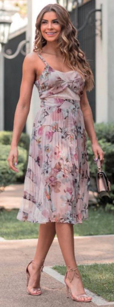 Vestido Midi Floral Plissado