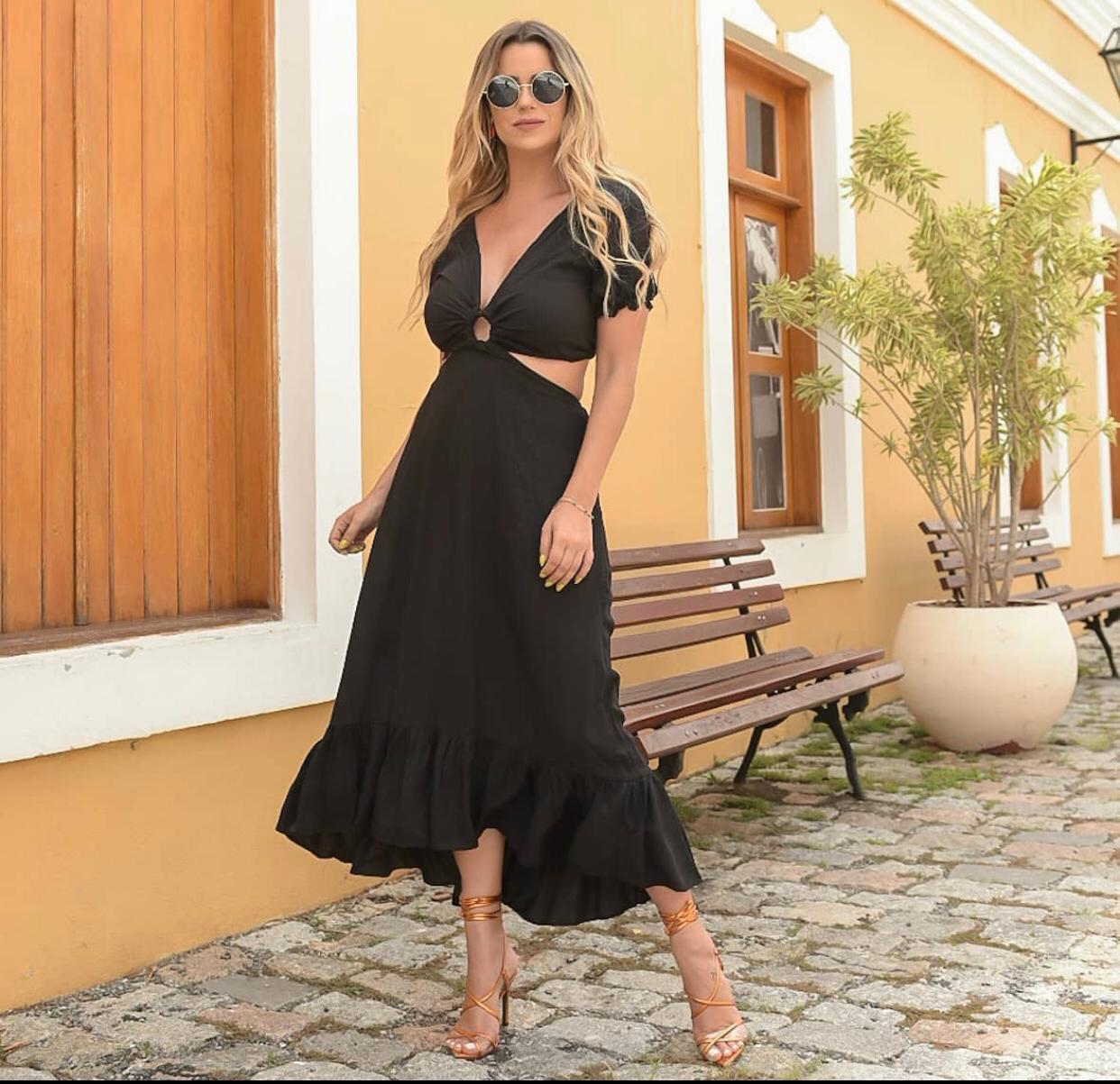 Vestido Viscose Abertura Argola Preto