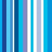Papel de Parede Listrado em Tons de Azul e Lilás Sobre Branco