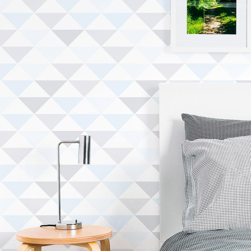 Papel de Parede Geométrico Triângulos Tons Cinza e Azul Claro
