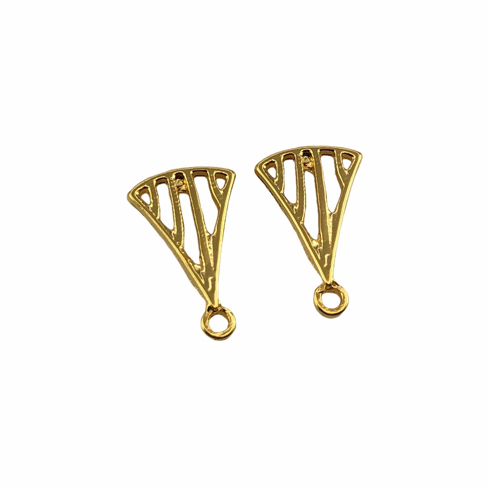 BP1288 - Base de Brinco Triângulo Banhado Cor Dourado - 01Par