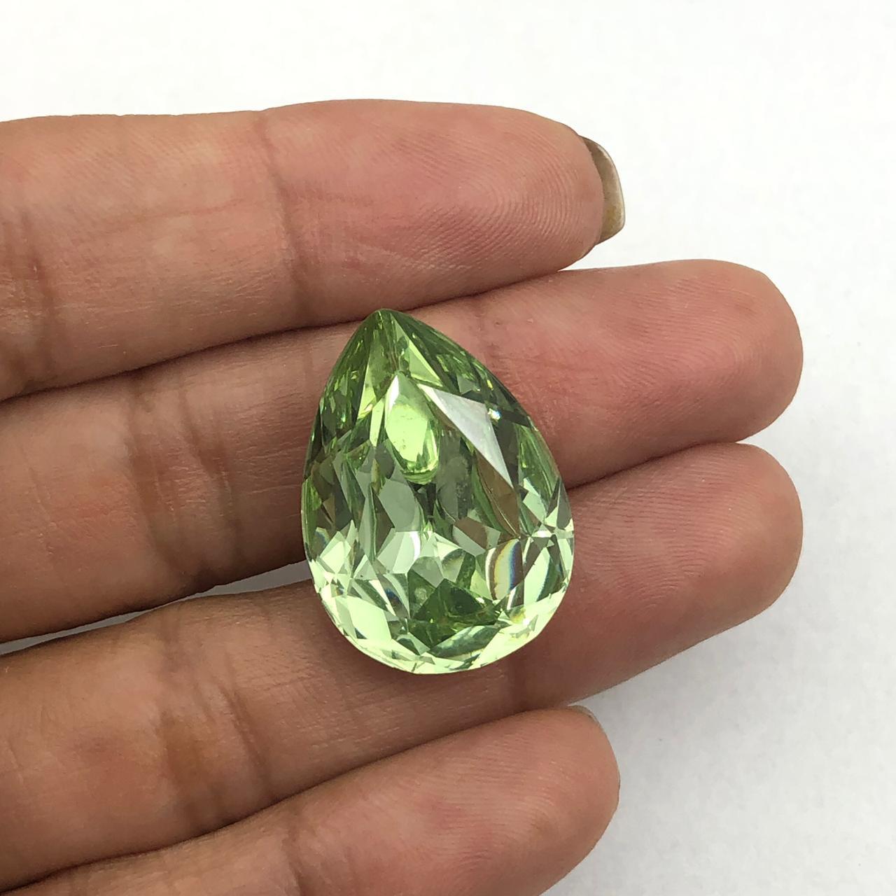 CHT1363 - Chaton Gota 18x25 Base Côncava Chrysolite - 2unids