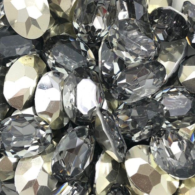 CHT1378 - Chaton Base Côncava Black Diamond Oval 13x18 - 2unids