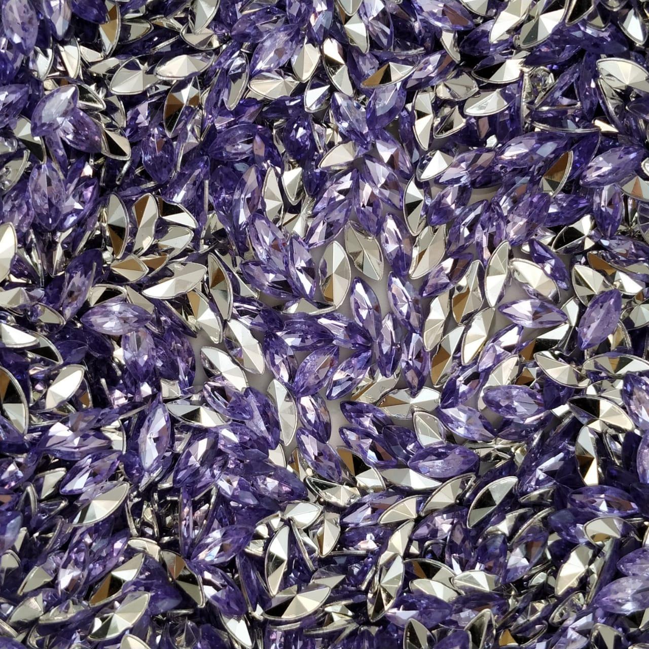 CHT1759 - Chaton Navete Violet 3x6 - 20unids