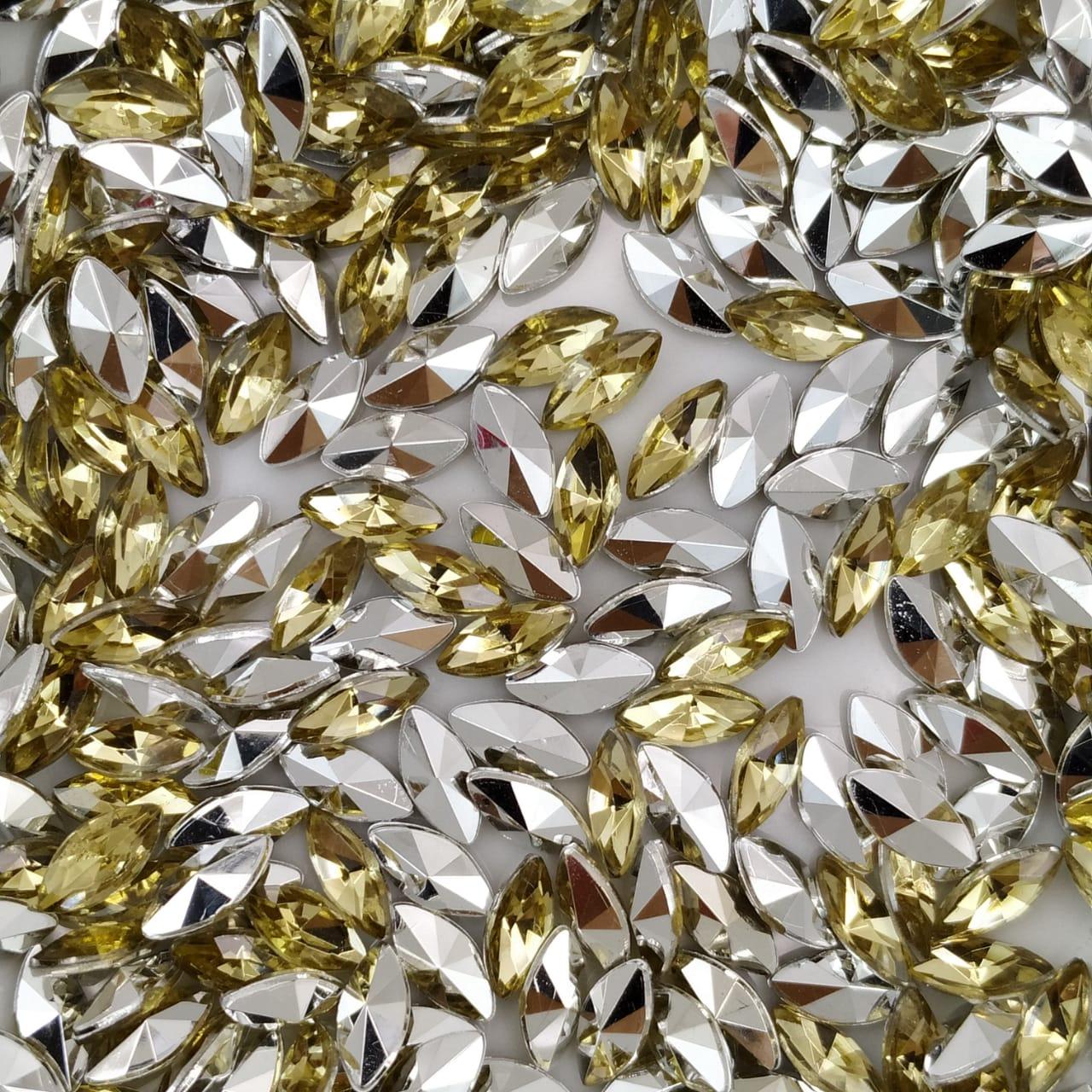 CHT1770 - Chaton Navete Gold 4x8 - 20unids