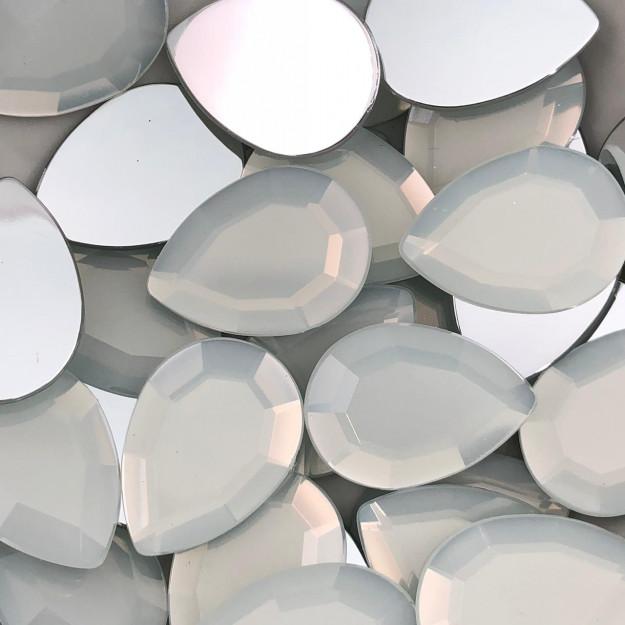 CHT792 - Chaton Gota 18x25 White Opal - 2Unids