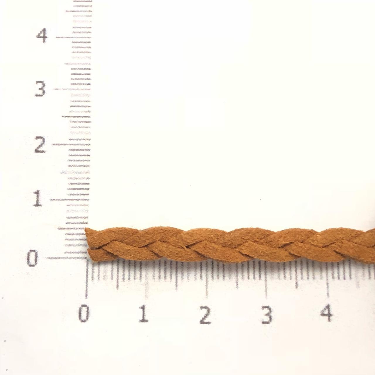 CM83 - Cordão de camurça Trançado 5mm Caramelo - 1metro
