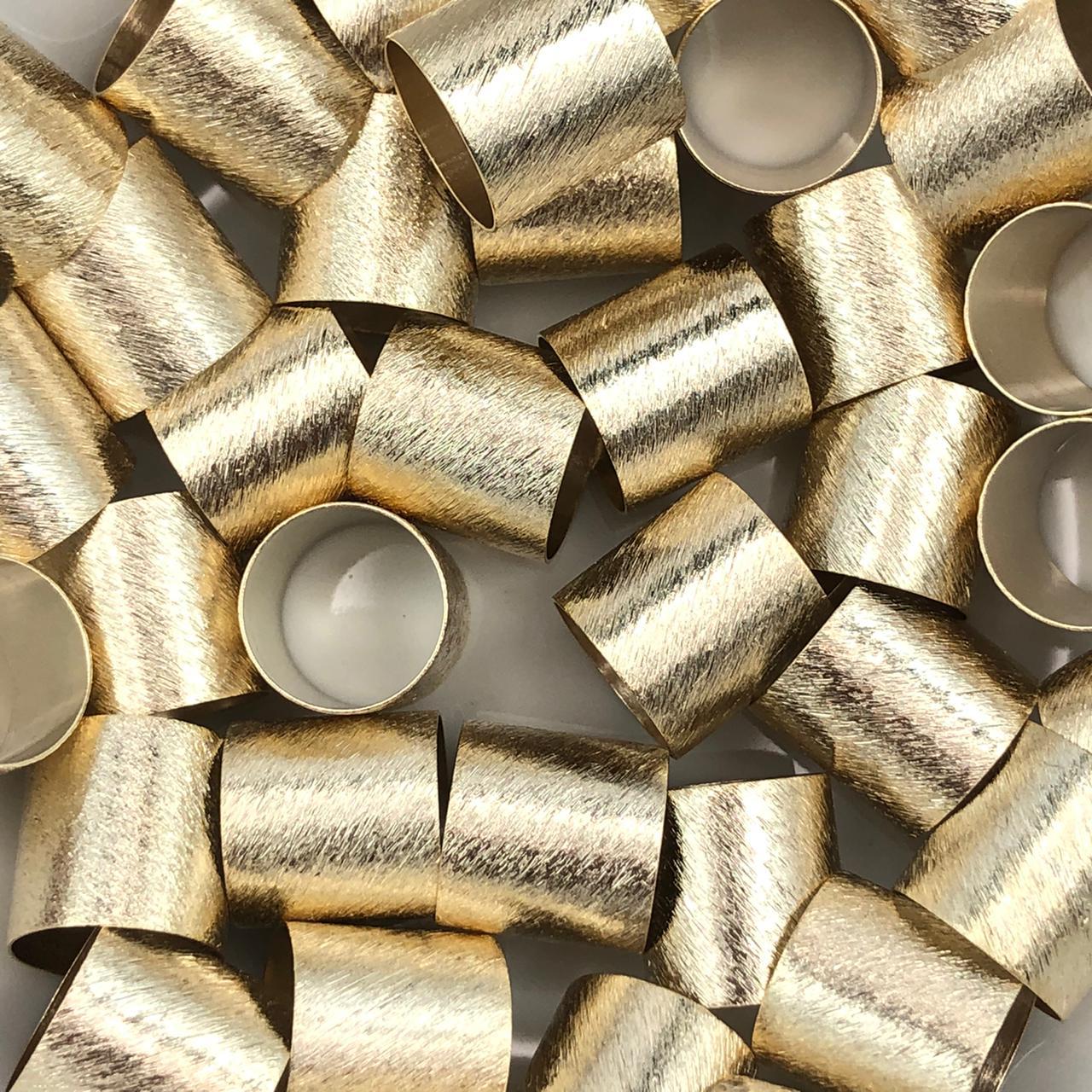 ETM562 - Entremeio Redondo 12x12mm Lixado Banhado Cor Dourado - 4Unids
