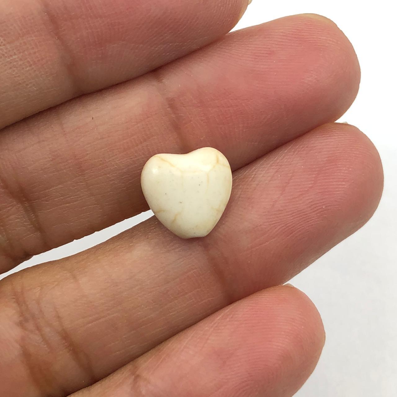 PN80 - Coração Pedra Natural 10mm Howlita Bege - 04Unids