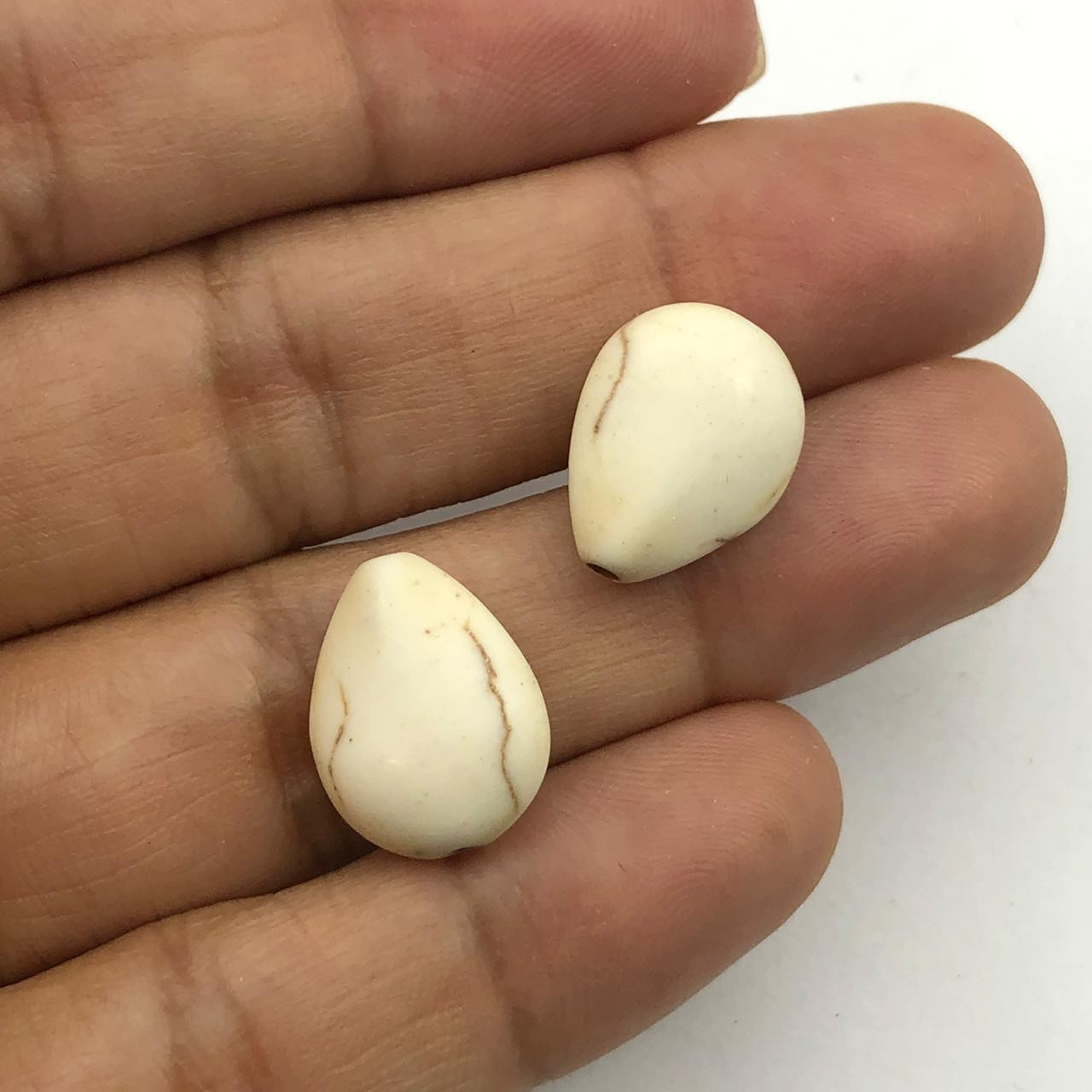 PN87 - Gota Chata Pedra Reconstituida Bege 16mm - 04Unids