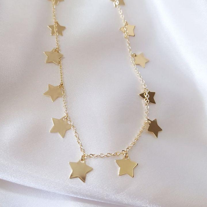 Corrente Longa Com Pingentes de Estrelas