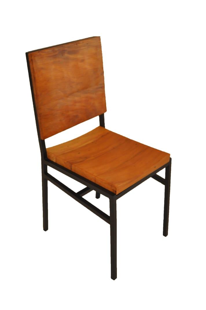 Cadeira ferro côncava