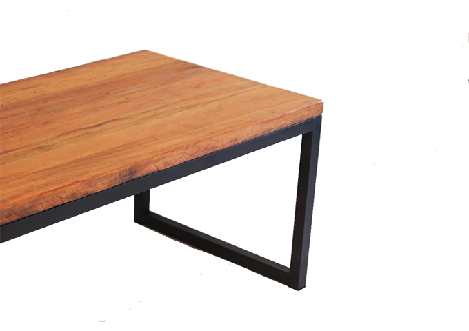 Mesa de jantar ferro pé quadrado