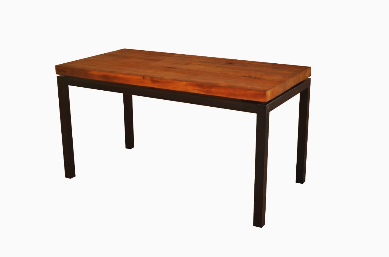Mesa de jantar ferro pé reto