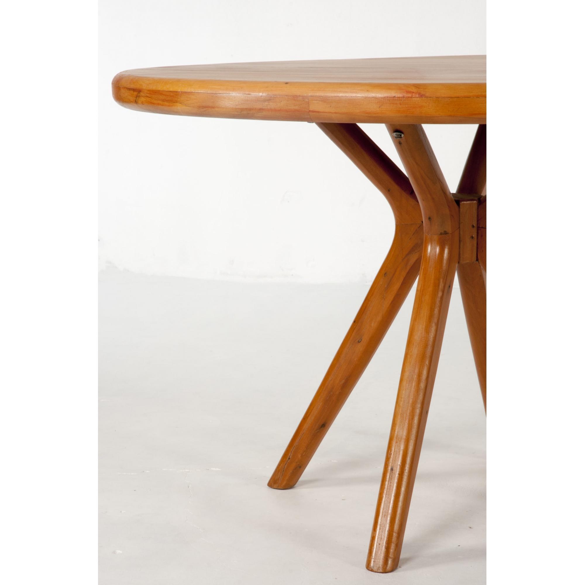 Mesa de jantar redonda catedral