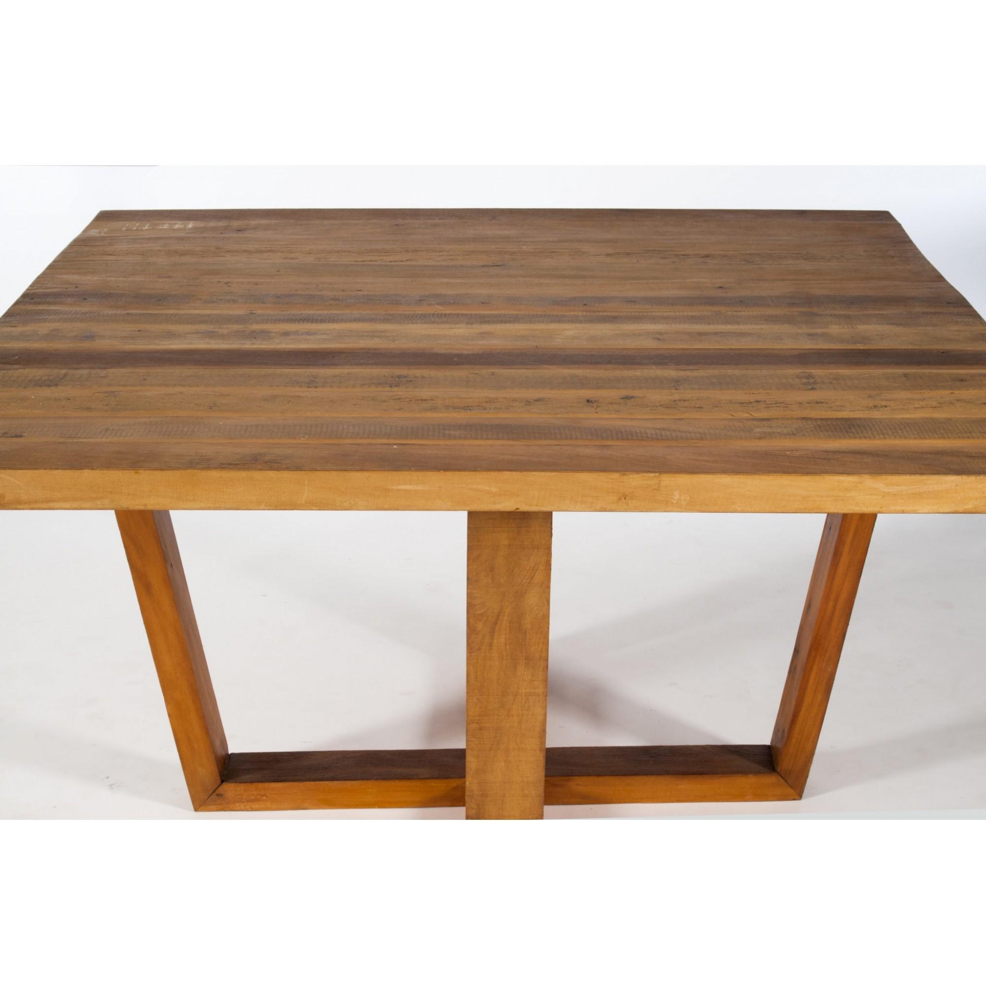 Mesa de jantar viga pés angulados