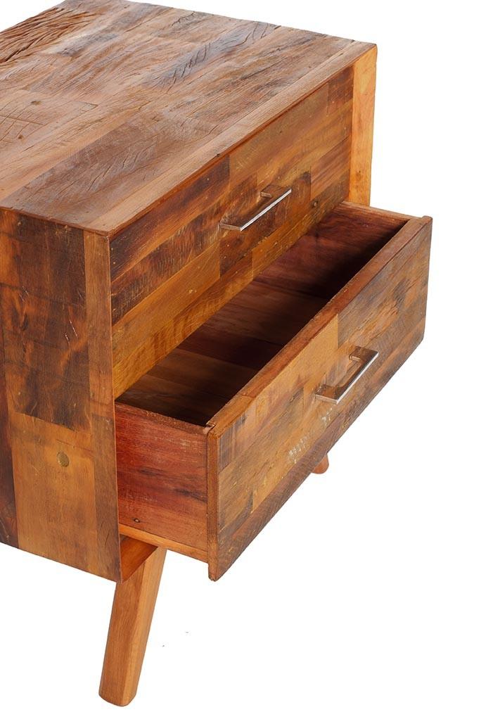 Mesa lateral caixote