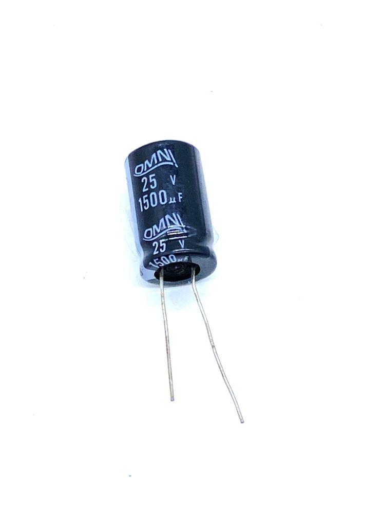 KIT COM 10 PEÇAS - CAPACITOR ELETROLITICO 1500UF 25V RADIAL 105º 13X22MM OMNI