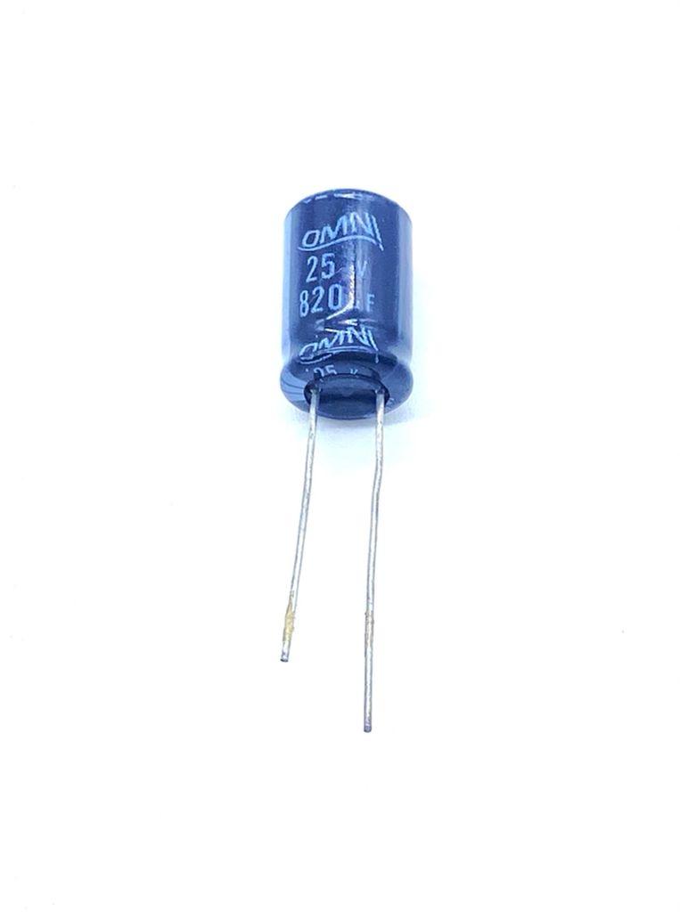 KIT COM 10 PEÇAS - CAPACITOR ELETROLITICO 820UF 25V RADIAL 105ºC 10X16MM OMNI