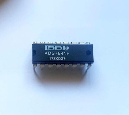 Circuito Integrado ADS7841P