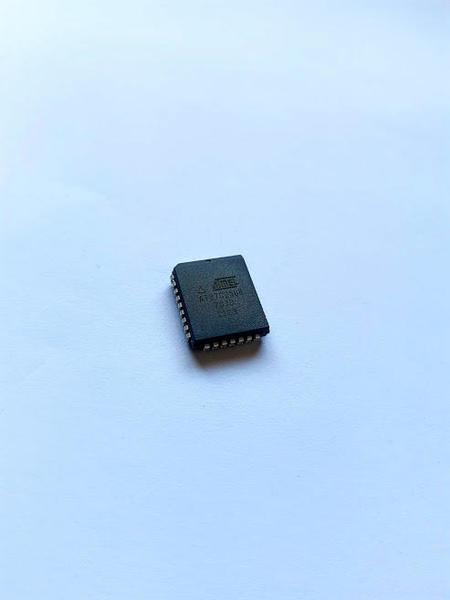 Circuito Integrado SMD AT27C256R-70JU