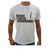 Camiseta Fugere Urbem Democracia Corinthniana