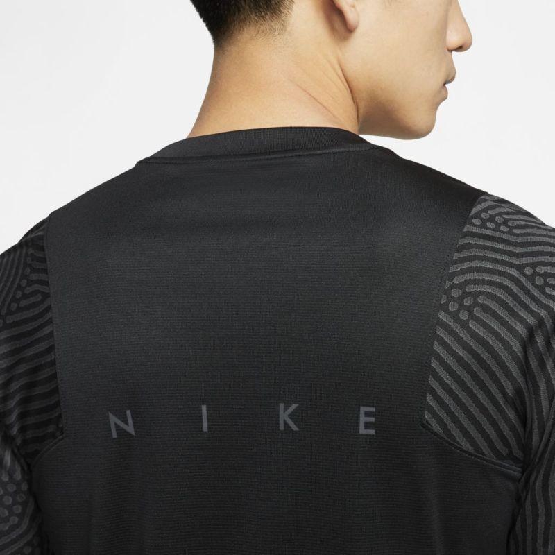 Camisa Nike Dri-Fit Strike